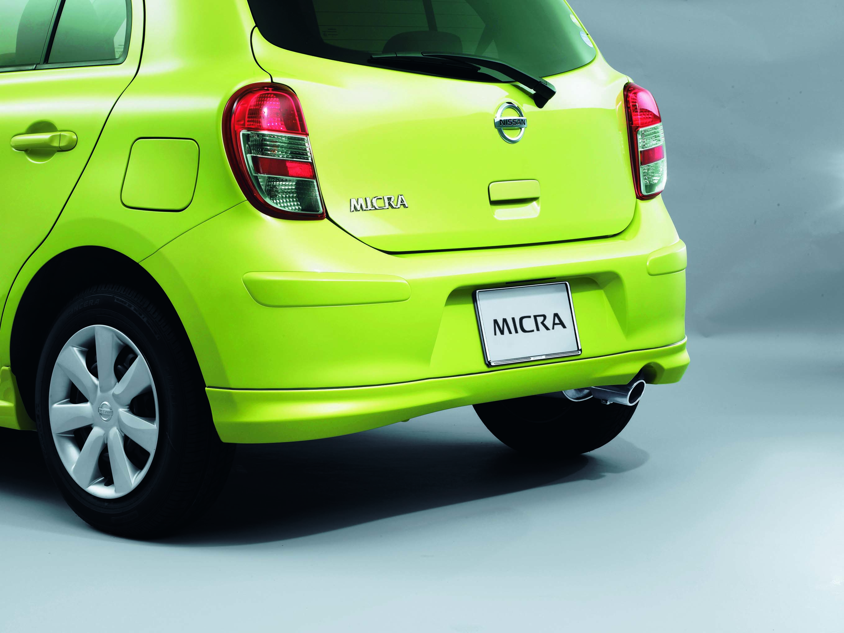 Nissan Micra 2018 1.5L SV in Oman: New Car Prices, Specs, Reviews ...