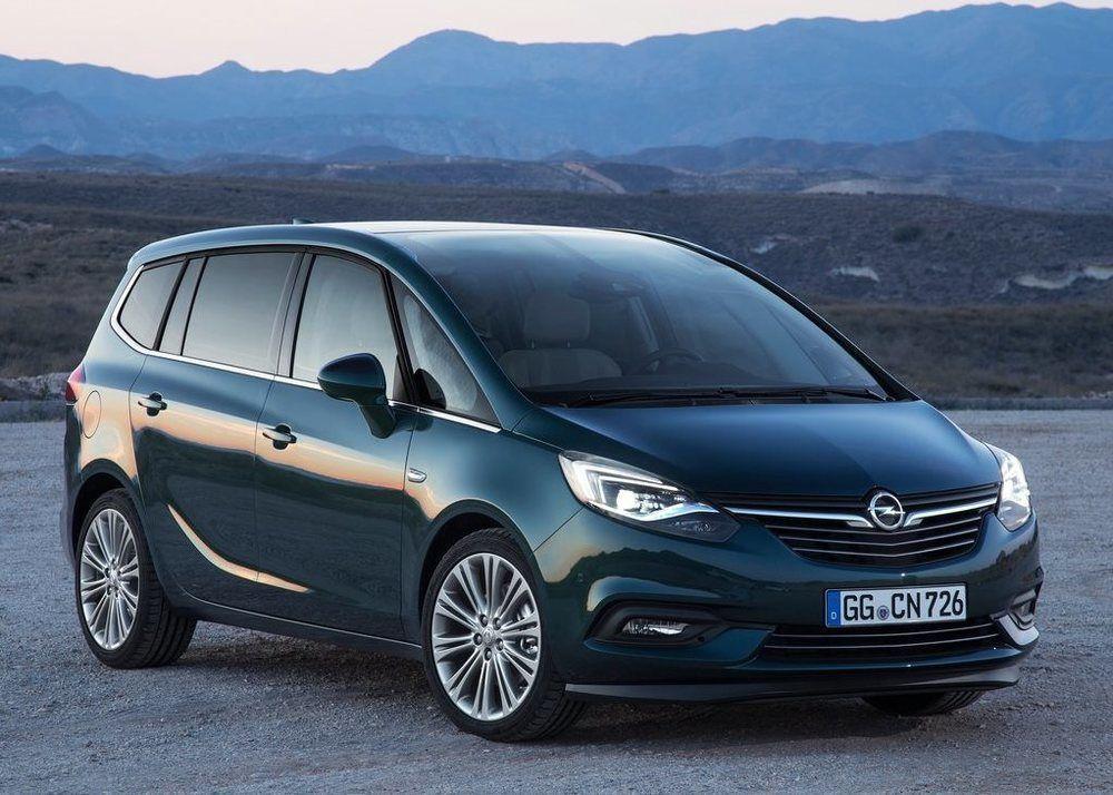 Opel Zafira Tourer 2018 Vs Toyota Previa 2018