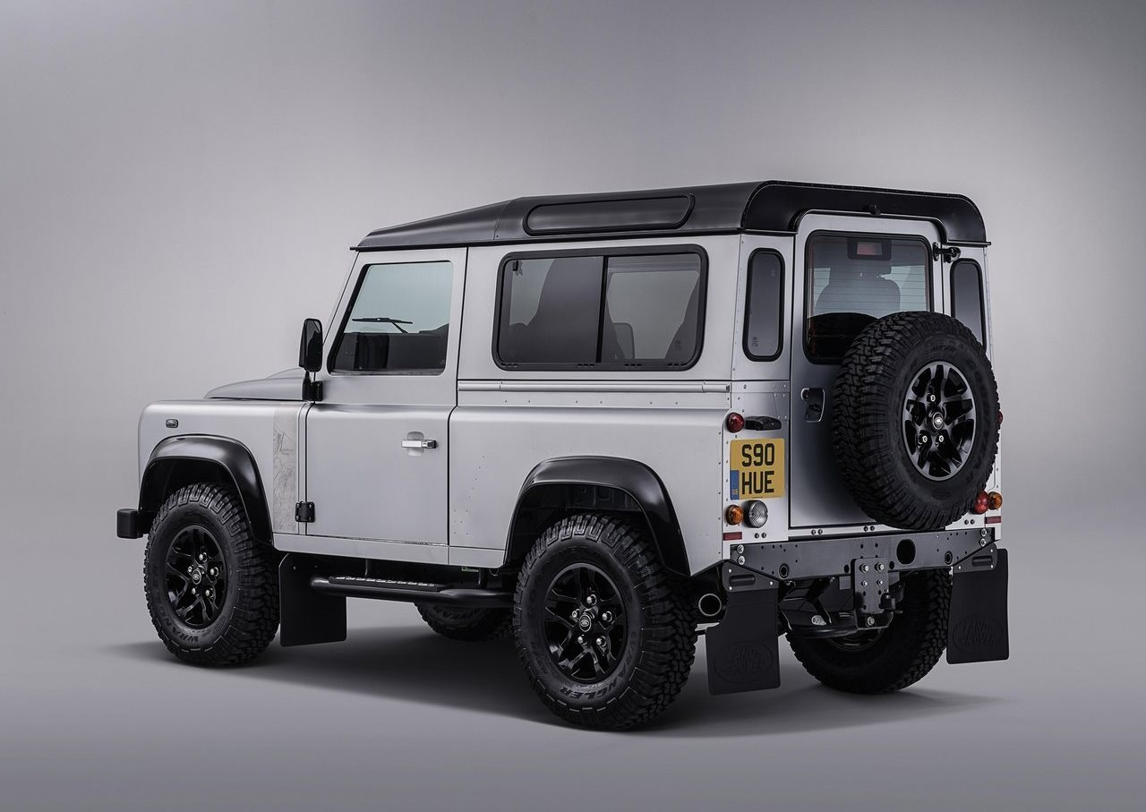 Land Rover Defender 2018 90 Sw Saudi Arabia