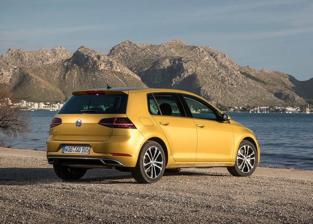 volkswagen golf 2018 gti package 1 in qatar new car prices specs reviews photos yallamotor. Black Bedroom Furniture Sets. Home Design Ideas