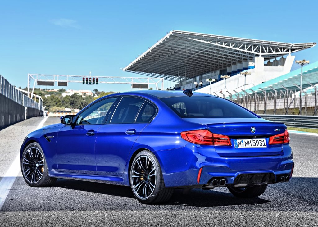 bmw m5 sedan 2018 4 4t 600 hp in oman new car prices specs reviews photos yallamotor. Black Bedroom Furniture Sets. Home Design Ideas