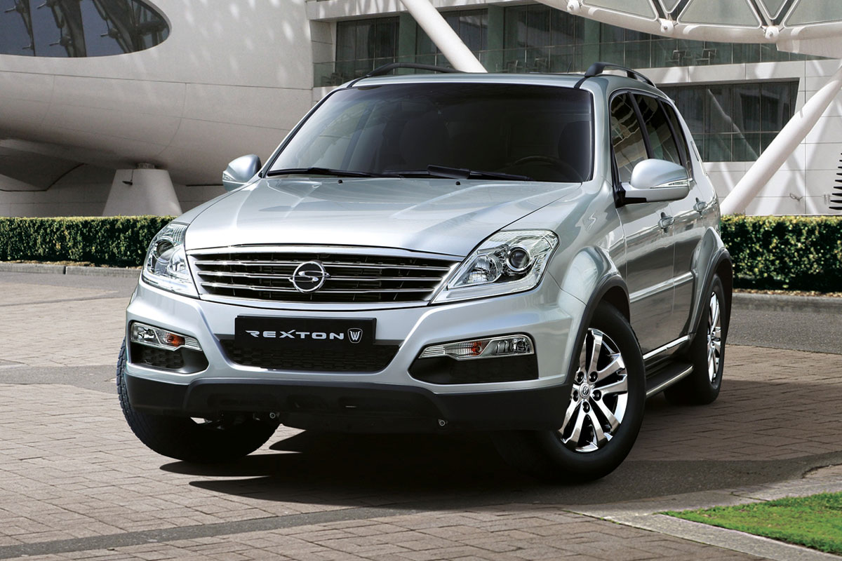 ssangyong rexton w 2018 3 2l standard in uae new car prices specs reviews photos yallamotor. Black Bedroom Furniture Sets. Home Design Ideas