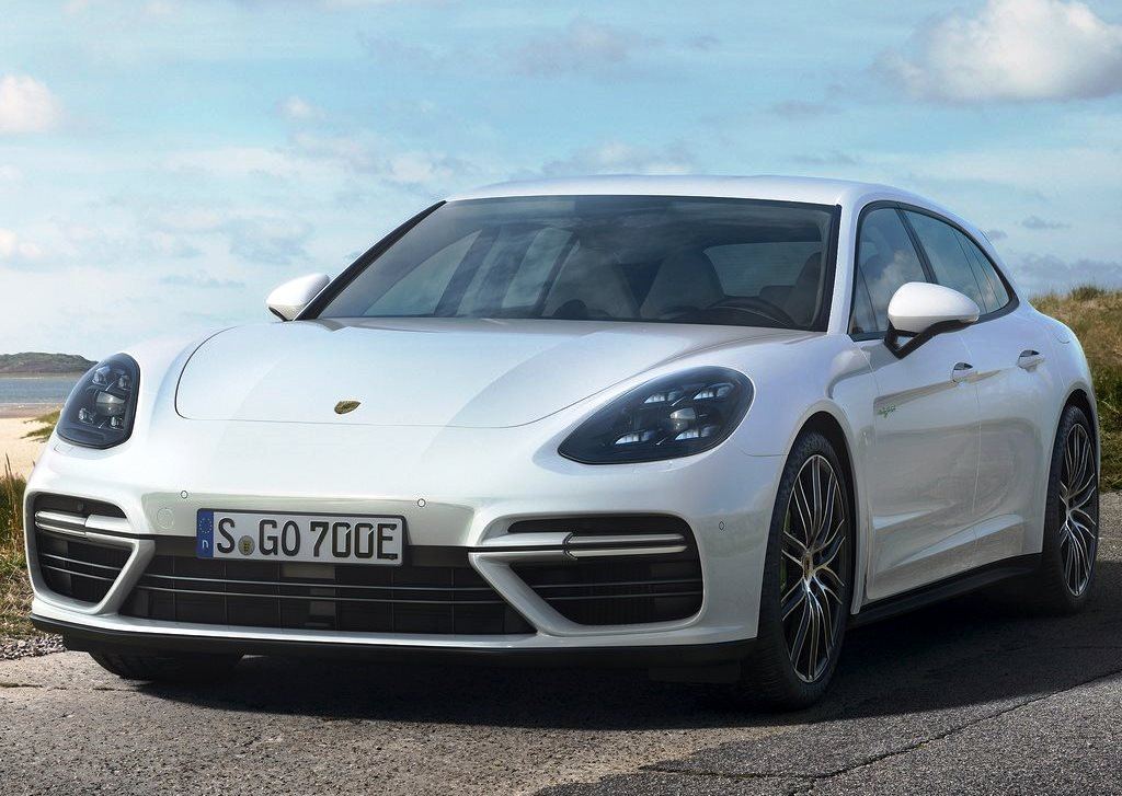 2018 porsche panamera sport turismo prices in uae gulf specs reviews for dubai abu dhabi and. Black Bedroom Furniture Sets. Home Design Ideas