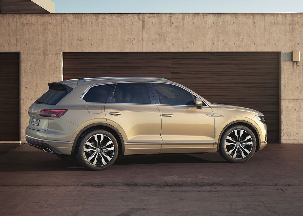 volkswagen touareg 2019 3 0t hl 340 hp in uae  new car prices  specs  reviews  u0026 photos