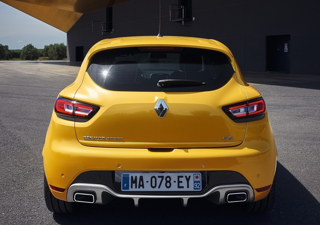 renault clio sport 2019 1 6l turbo in qatar new car. Black Bedroom Furniture Sets. Home Design Ideas