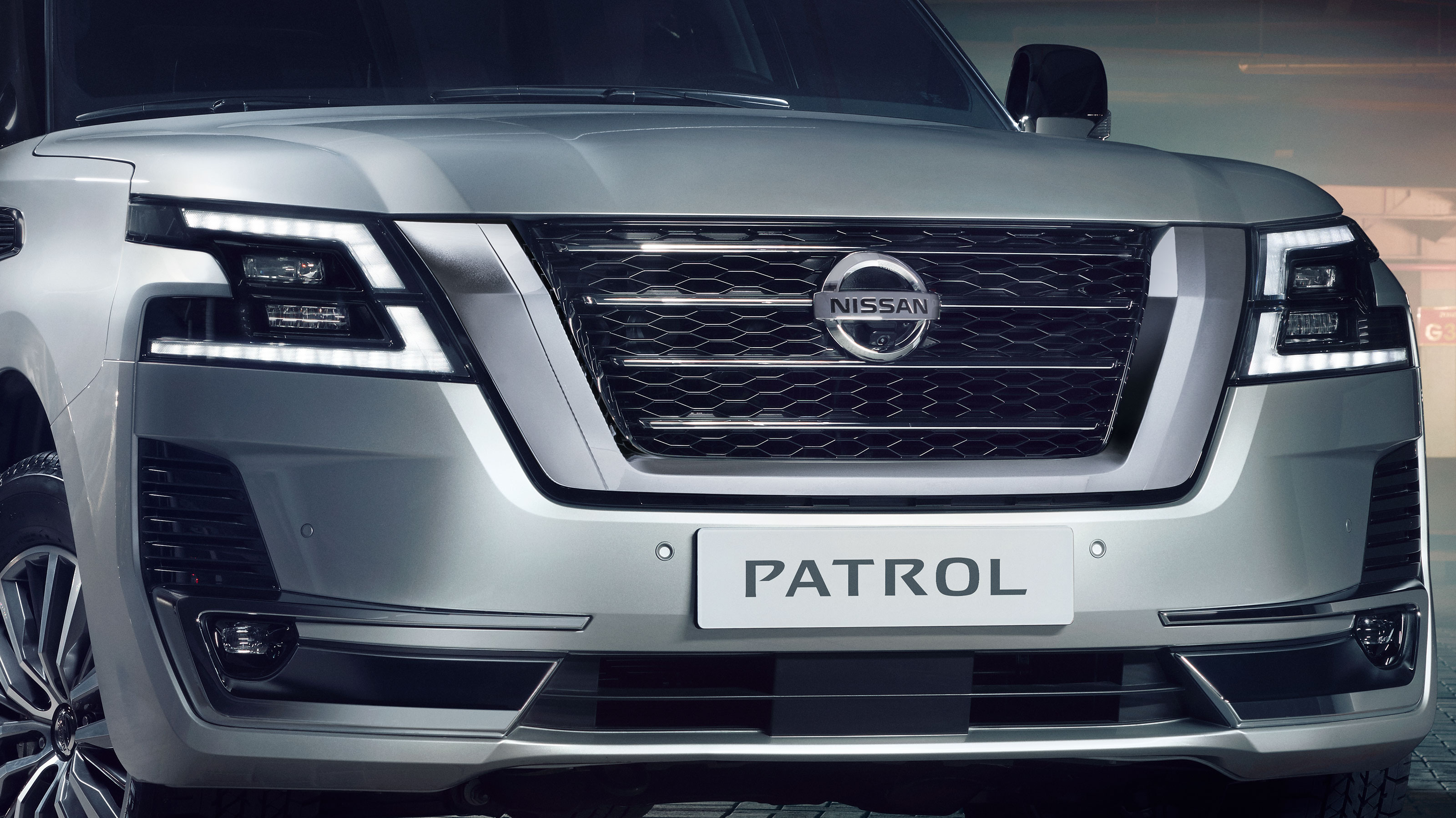 Nissan Patrol 2020, United Arab Emirates