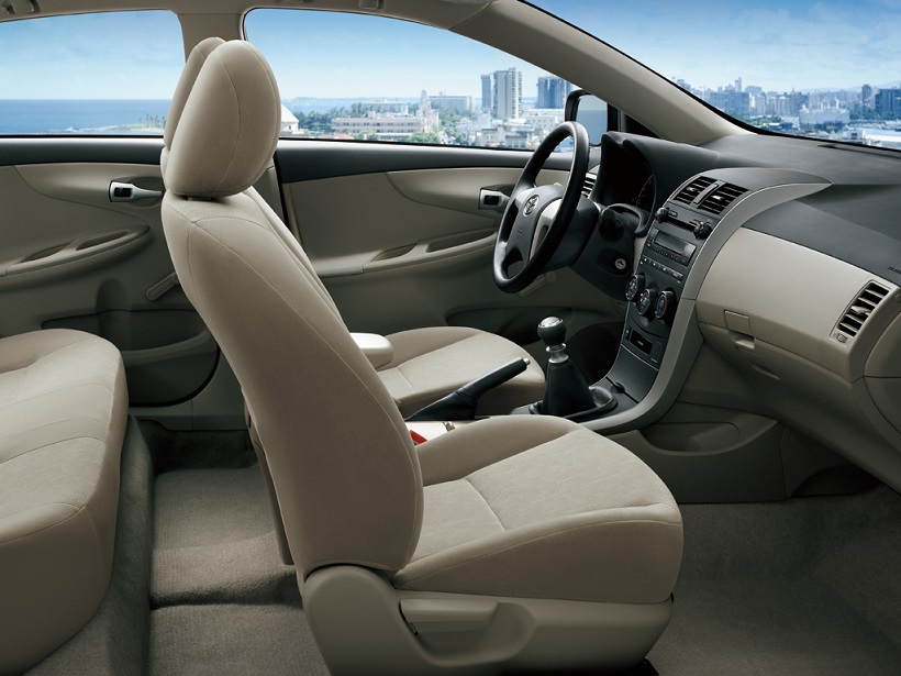car features list for toyota corolla 2013 1 6l qatar yallamotor. Black Bedroom Furniture Sets. Home Design Ideas