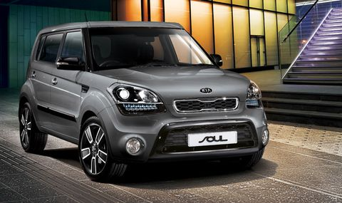 car features list for kia soul 2013 5 door 2 0l lx uae yallamotor. Black Bedroom Furniture Sets. Home Design Ideas