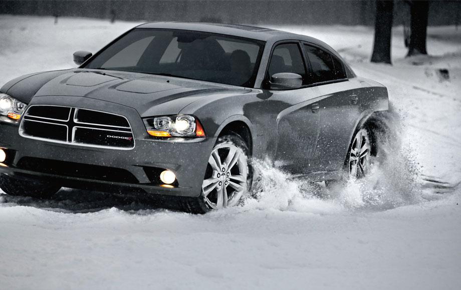 car features list for dodge charger 2013 srt8 superbee 6 4l uae yallamotor. Black Bedroom Furniture Sets. Home Design Ideas