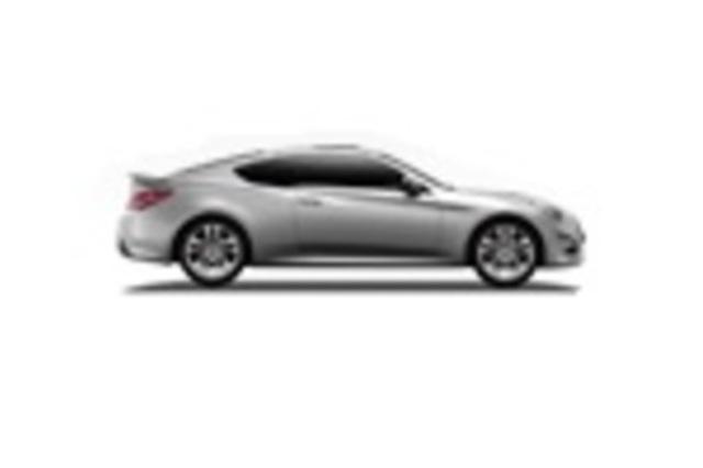 Hyundai Genesis Coupe 2013 VS Infiniti G37 Convertible 2013. Car Compare