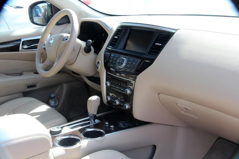 High Quality نيسان باثفايندر 2013 SV 4WD, Qatar