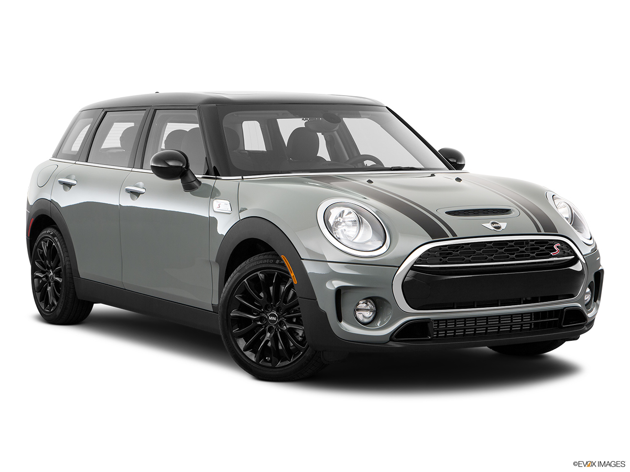 car features list for mini clubman 2018 cooper s qatar yallamotor. Black Bedroom Furniture Sets. Home Design Ideas
