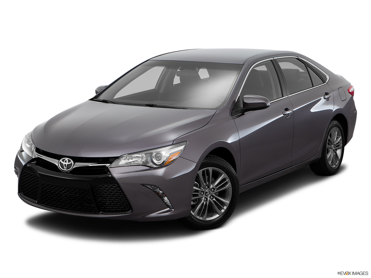 toyota camry 2016 2 5l se in oman new car prices specs reviews photos yallamotor. Black Bedroom Furniture Sets. Home Design Ideas