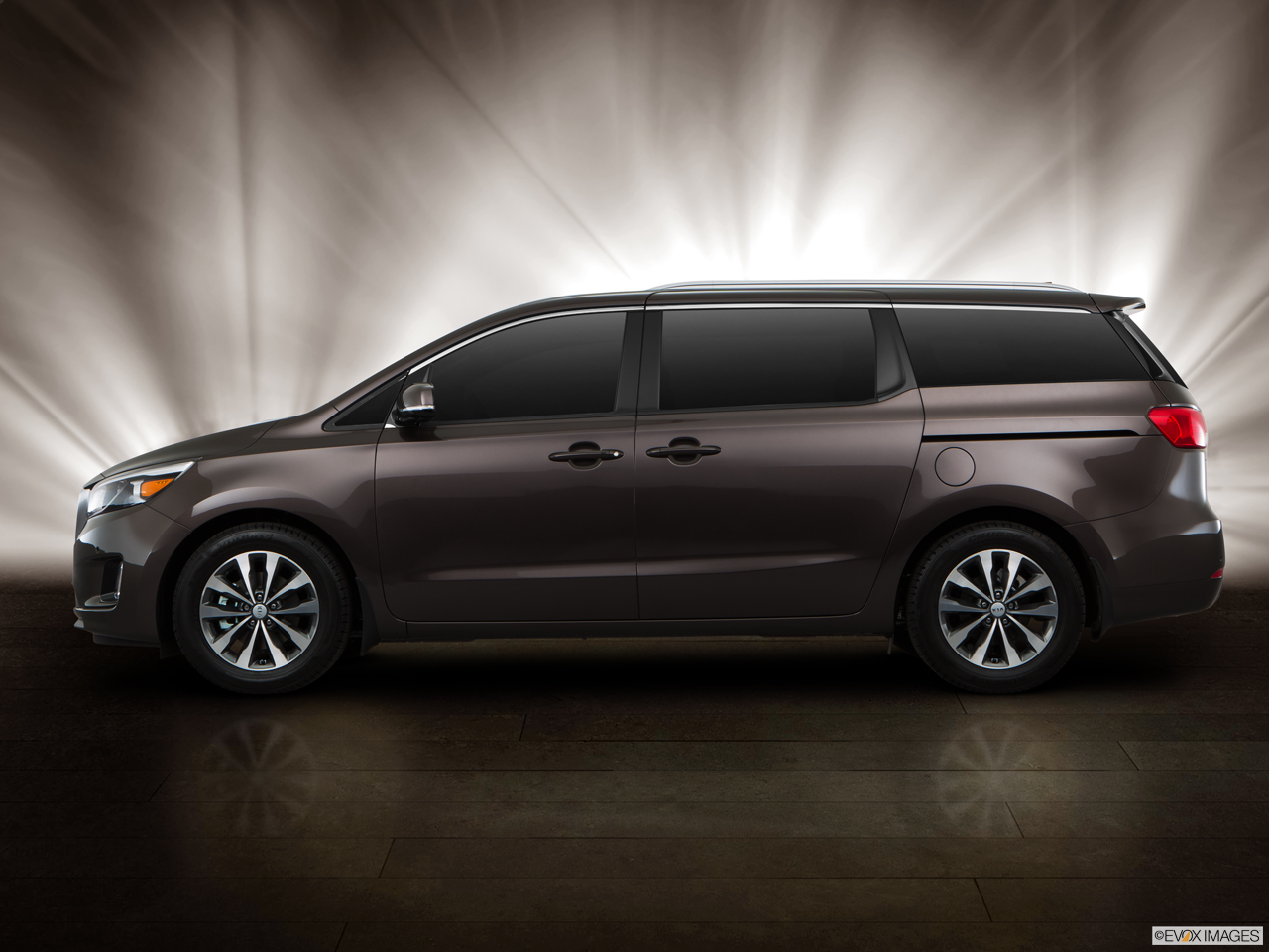 Kia Grand Carnival 2016 3 3l Top In Saudi Arabia New Car Prices