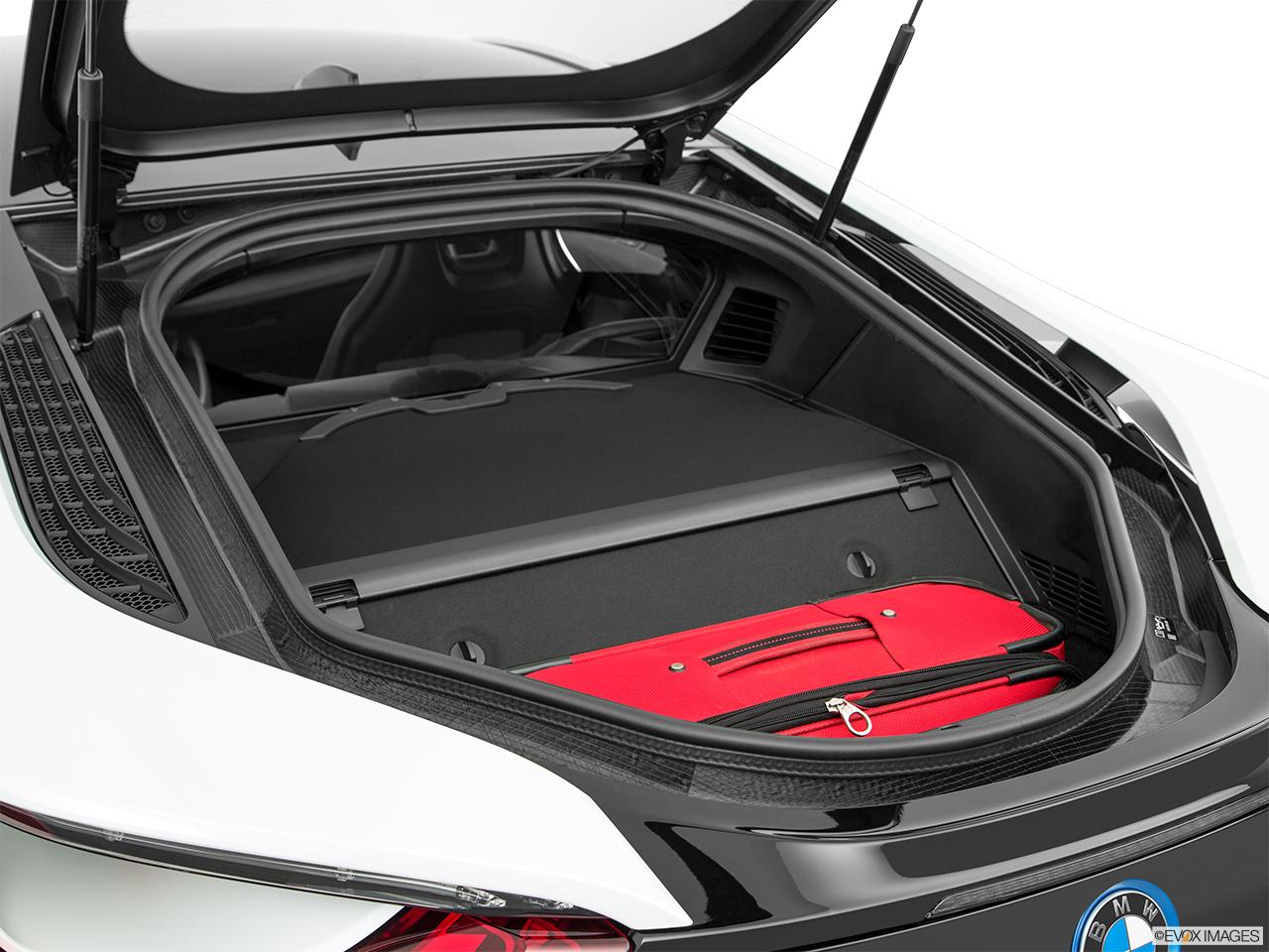 car pictures list for bmw i8 2016 plug in hybrid uae yallamotor. Black Bedroom Furniture Sets. Home Design Ideas