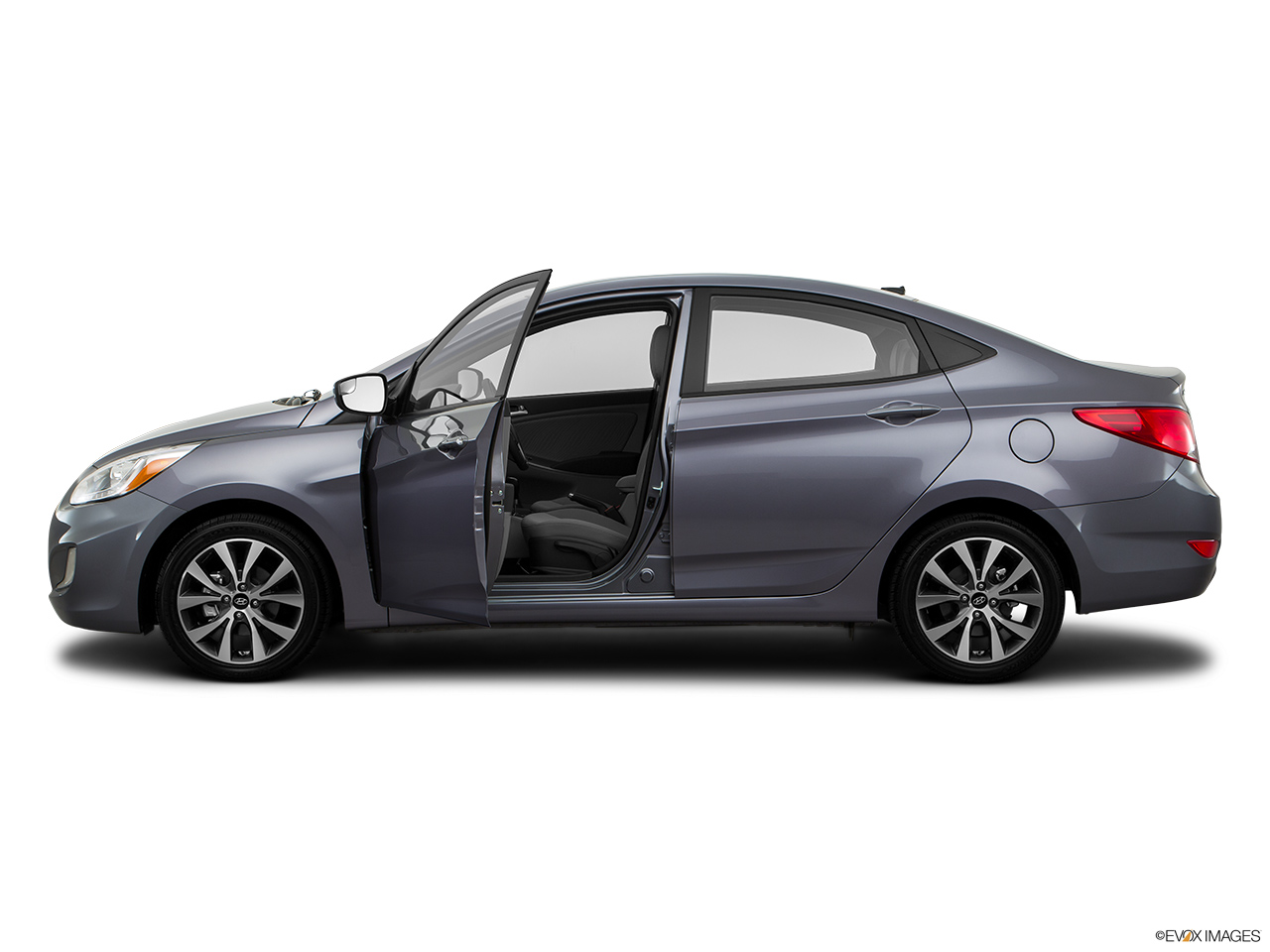 hyundai accent 2016 1 4l gl hatch in oman new car prices specs reviews photos yallamotor. Black Bedroom Furniture Sets. Home Design Ideas