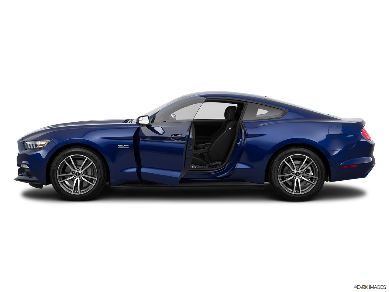 ford mustang 2016 5 0l gt coupe in uae new car prices specs reviews photos yallamotor. Black Bedroom Furniture Sets. Home Design Ideas
