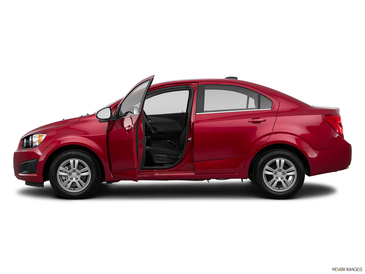 chevrolet sonic 2016 1 6 ls sedan in saudi arabia new car prices specs reviews photos. Black Bedroom Furniture Sets. Home Design Ideas