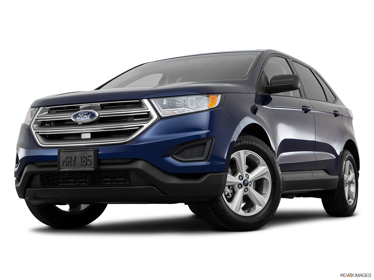 Ford Edge L Sel Kuwait Front Angle View Low Wide Perspective