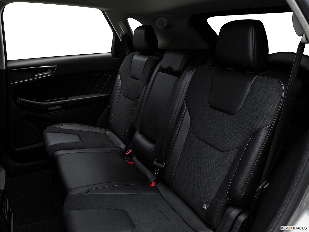 ford edge 2016 3 7l sport in oman new car prices specs reviews photos yallamotor. Black Bedroom Furniture Sets. Home Design Ideas