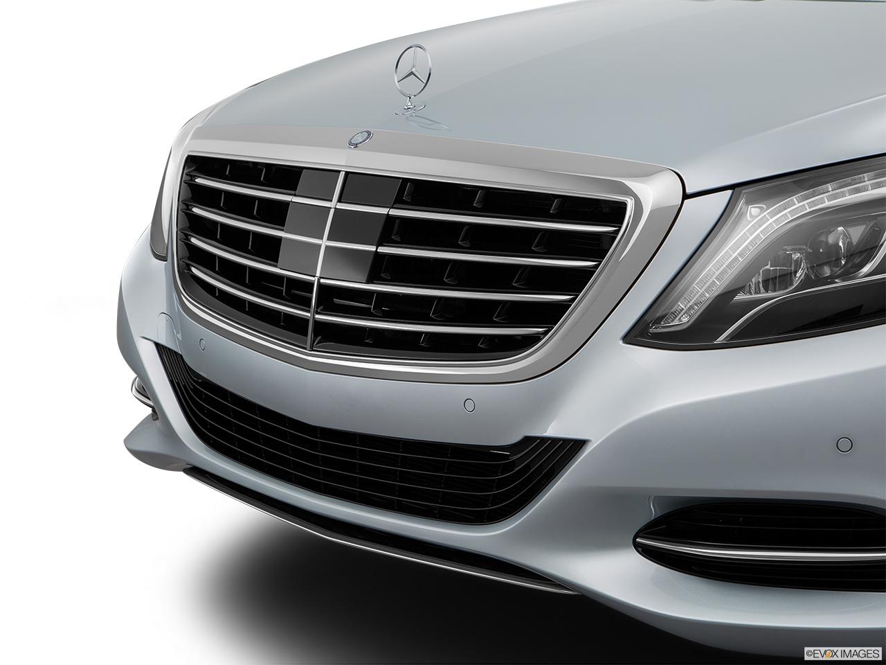 Car pictures list for mercedes benz s class 2016 s 600 l for Mercedes benz payment estimator