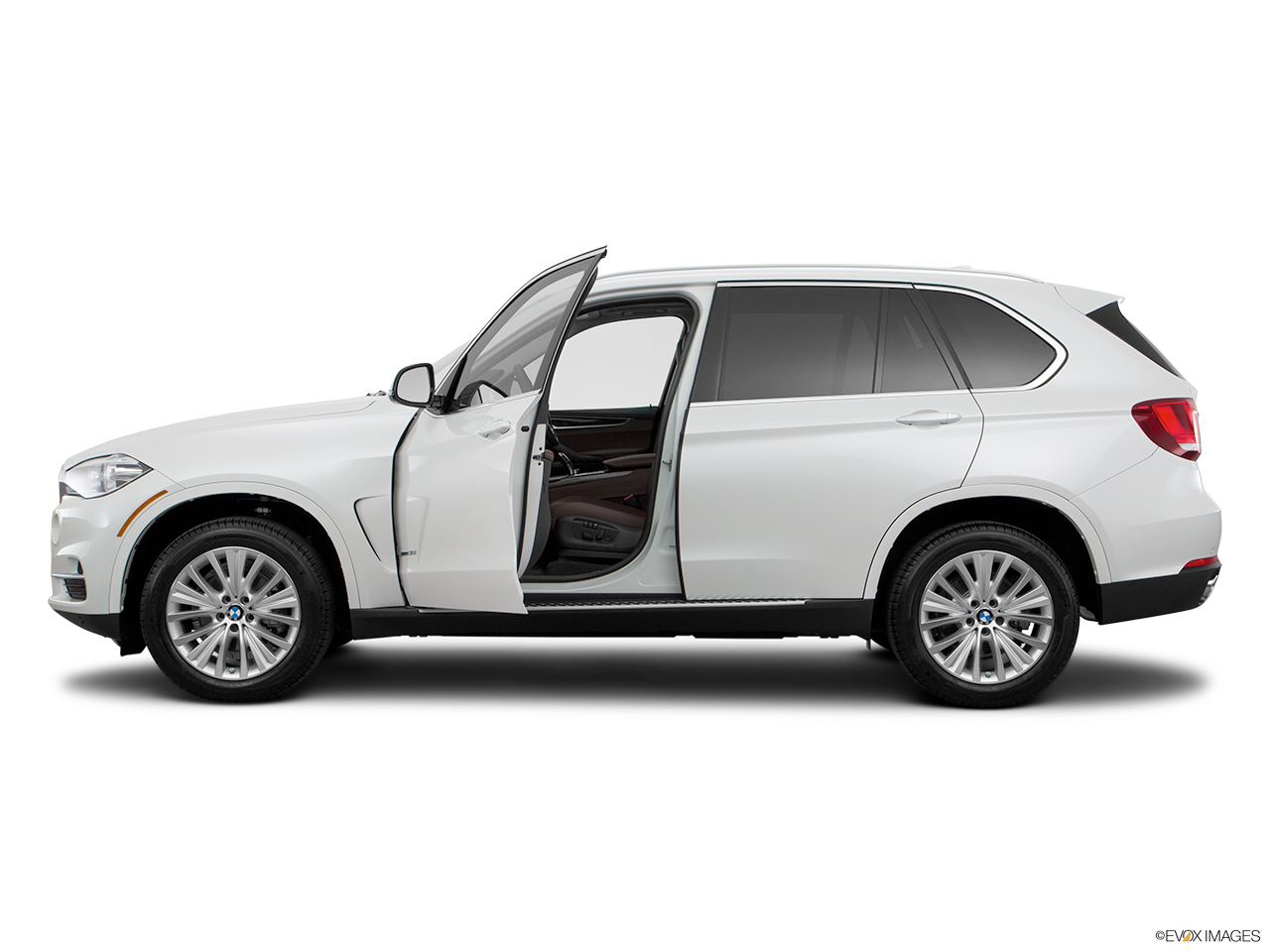 bmw x5 2016 xdrive35i in oman new car prices specs reviews photos yallamotor. Black Bedroom Furniture Sets. Home Design Ideas
