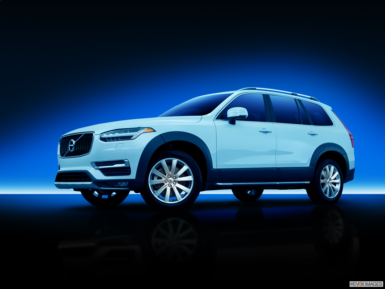 car pictures list for volvo xc90 2016 t6 uae yallamotor. Black Bedroom Furniture Sets. Home Design Ideas