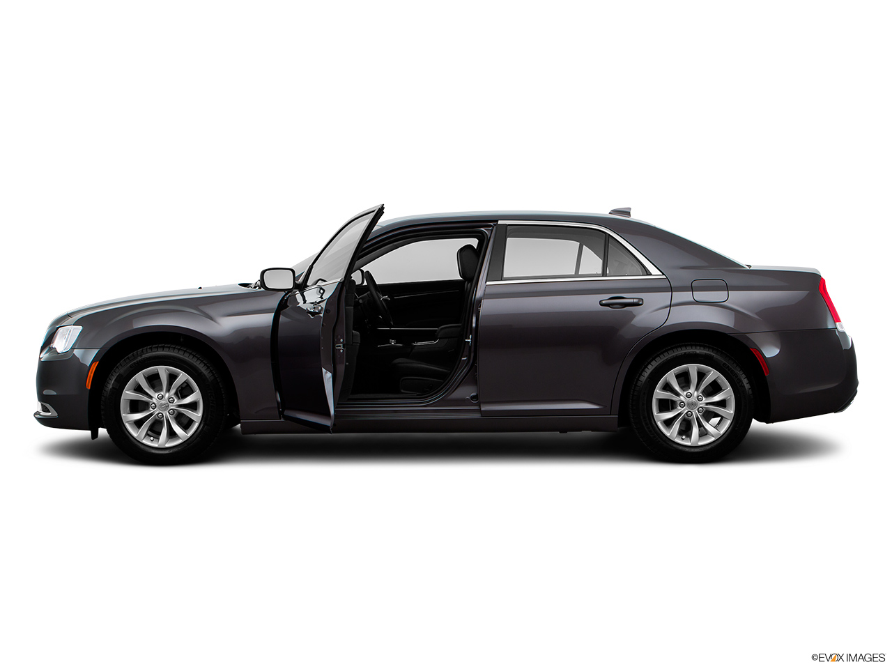 chrysler 300c 2016 5 7l executive in saudi arabia new car. Black Bedroom Furniture Sets. Home Design Ideas