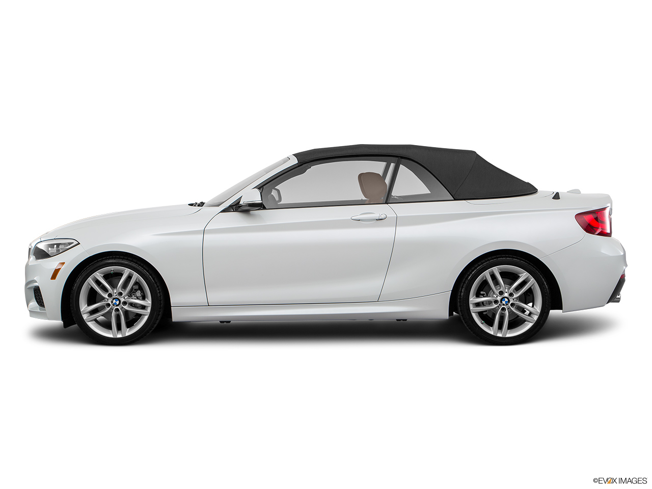 bmw 2 series convertible 2016 220i in kuwait new car prices specs reviews photos yallamotor. Black Bedroom Furniture Sets. Home Design Ideas