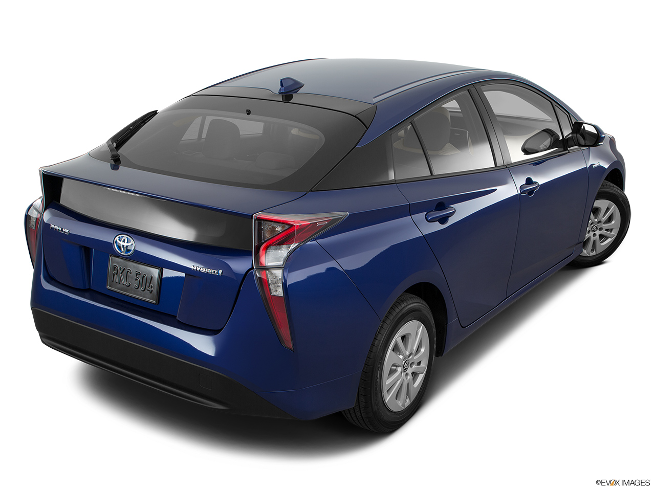 car pictures list for toyota prius 2016 dynamic uae yallamotor. Black Bedroom Furniture Sets. Home Design Ideas