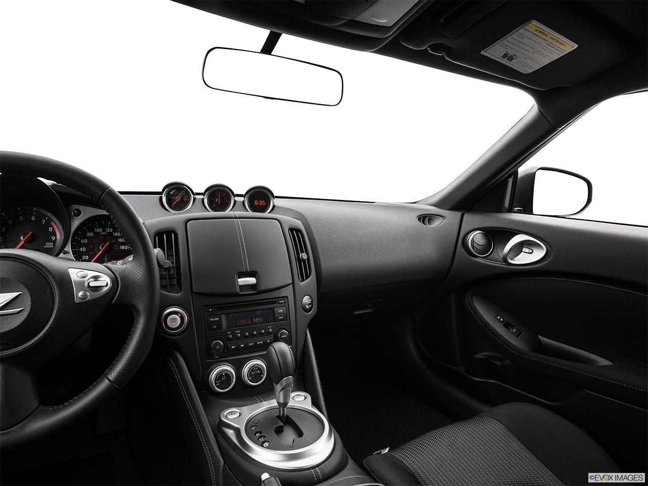 nissan 370z 2017 coupe m t in bahrain new car prices specs reviews photos yallamotor. Black Bedroom Furniture Sets. Home Design Ideas