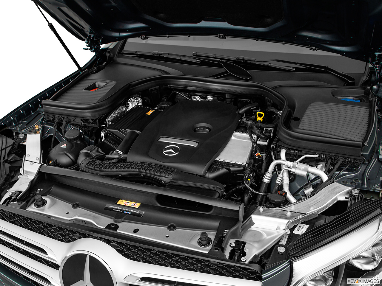 Mercedes benz glc class 2017 glc 300 4matic in bahrain for Mercedes benz engine
