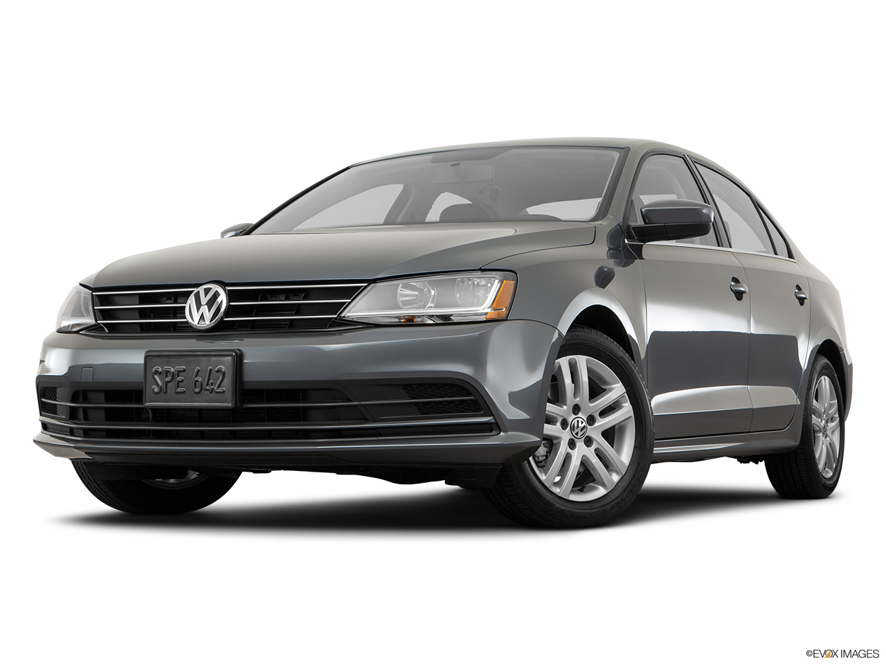 Volkswagen jetta 2017 qatar front angle view low wide perspective