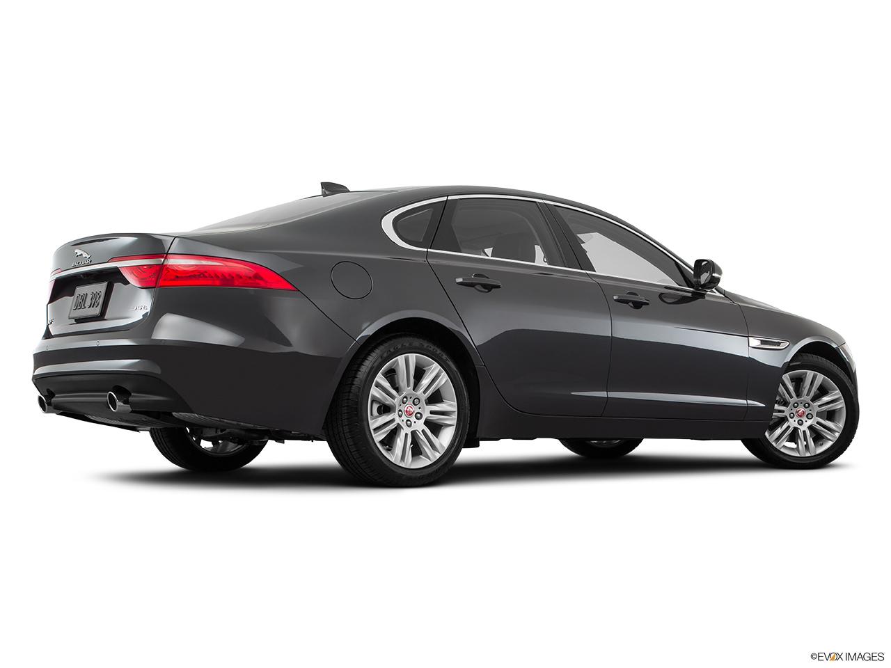 car pictures list for jaguar xf 2017 3 0 v6 sc premium luxury qatar yallamotor. Black Bedroom Furniture Sets. Home Design Ideas