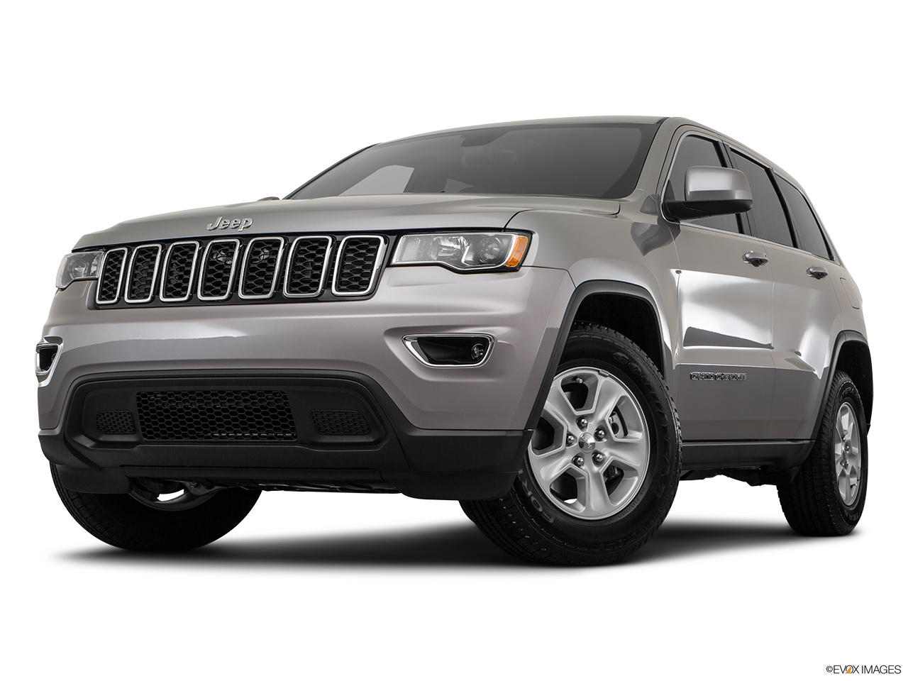 jeep grand cherokee 2017 laredo 5 7l in bahrain new car prices specs reviews photos. Black Bedroom Furniture Sets. Home Design Ideas