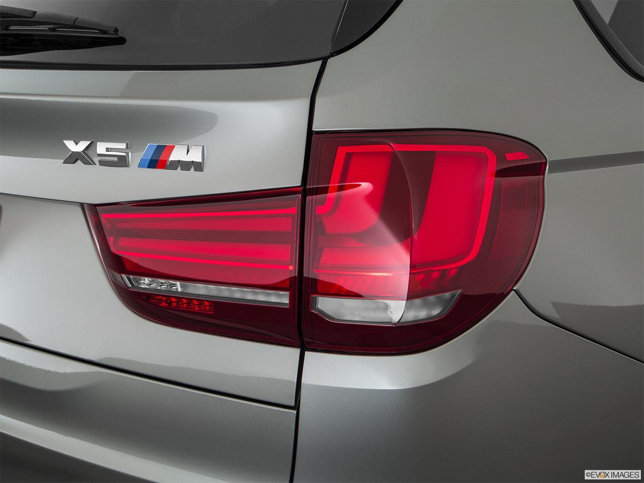 Car Features List For Bmw X5 M 2017 4 4t Xdrive Uae Yallamotor