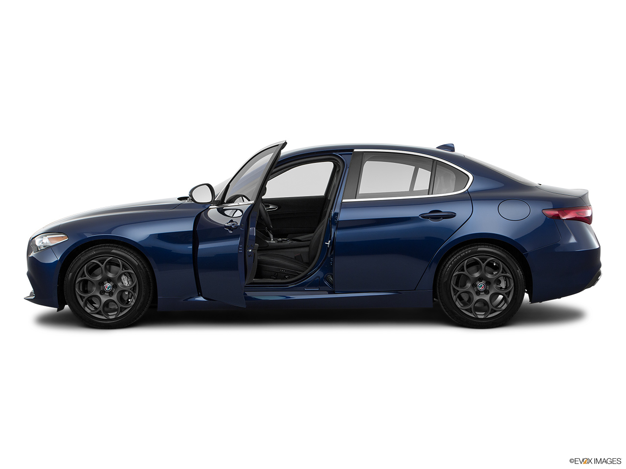 alfa romeo giulia 2017 base in uae new car prices specs reviews photos yallamotor. Black Bedroom Furniture Sets. Home Design Ideas