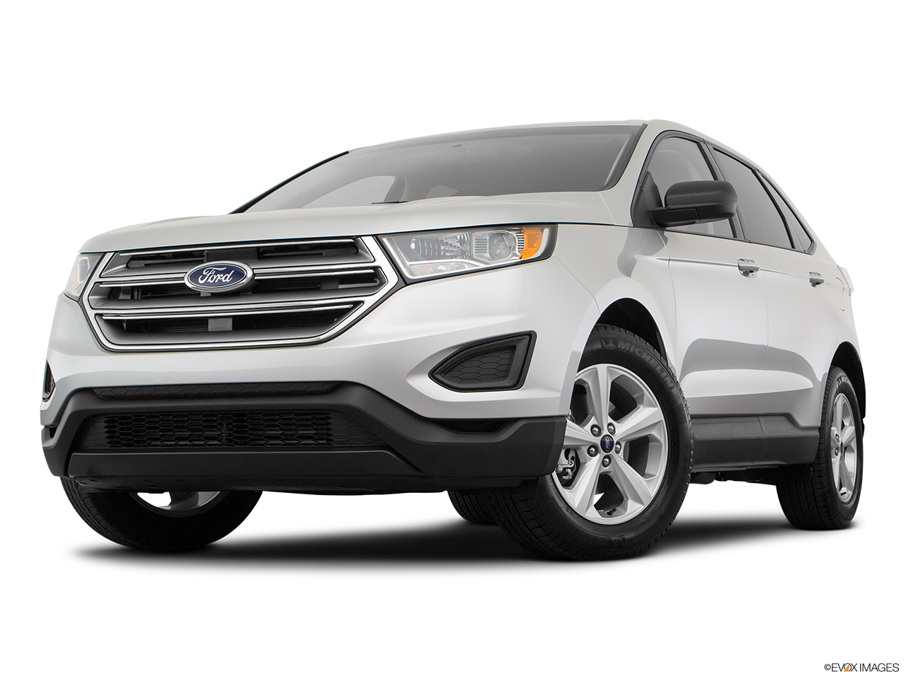 Ford Edge 2018, Saudi Arabia, Front angle view, low wide perspective.