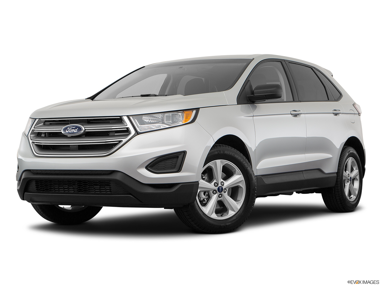 Ford Edge L V Se Kuwait Front Angle Medium View
