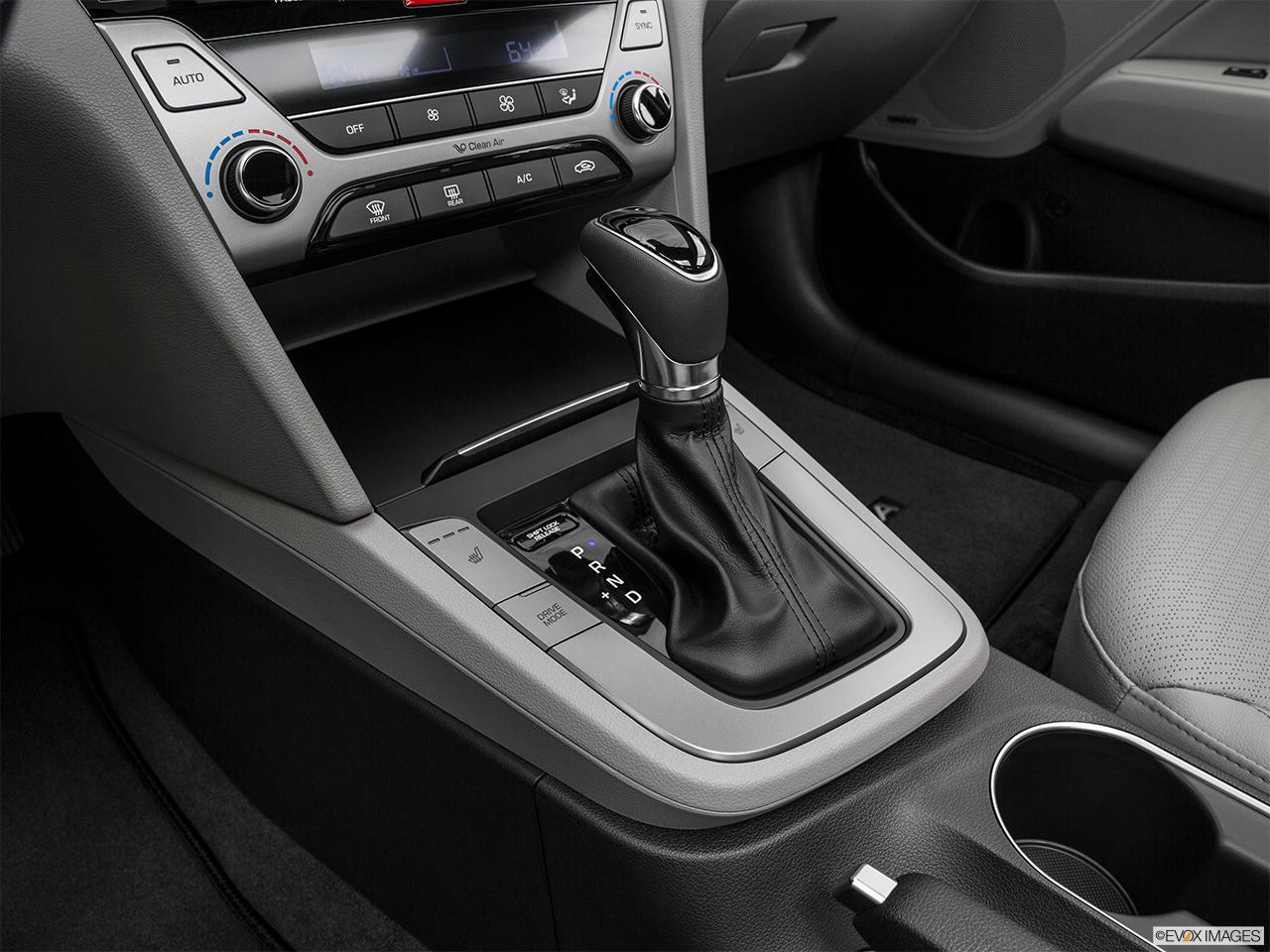 Hyundai Elantra 2018, Saudi Arabia