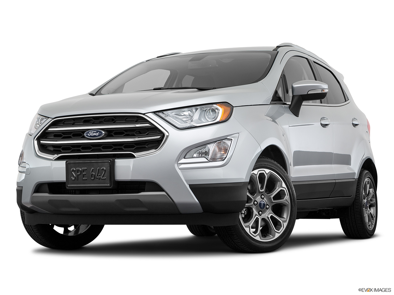 Ford EcoSport 2018 1.5 Titanium, Saudi Arabia, Front angle view, low wide perspective.
