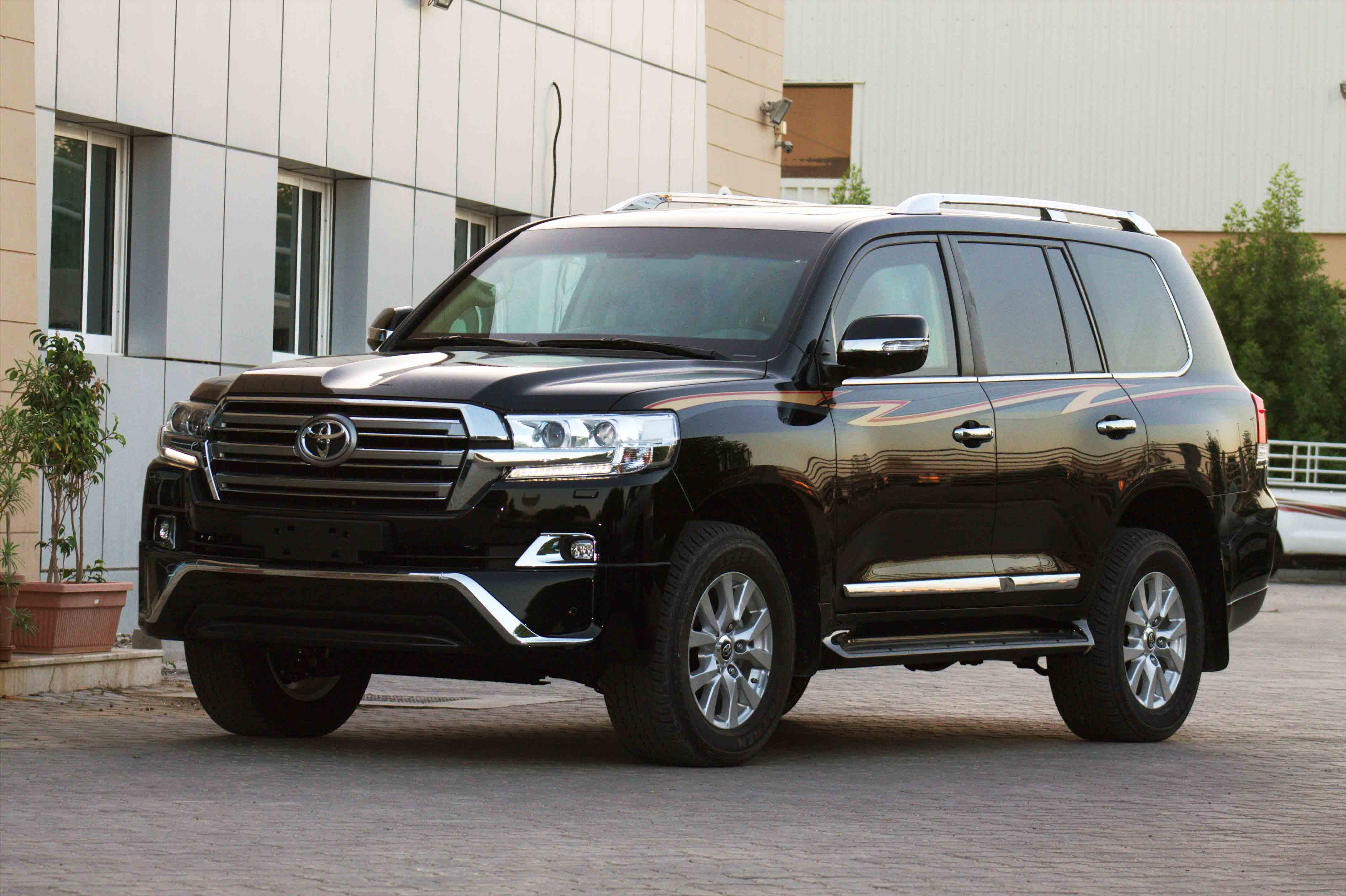youwheel facelifted toyota its to press landcruiser land release reign extends announced cruiser view home click your car