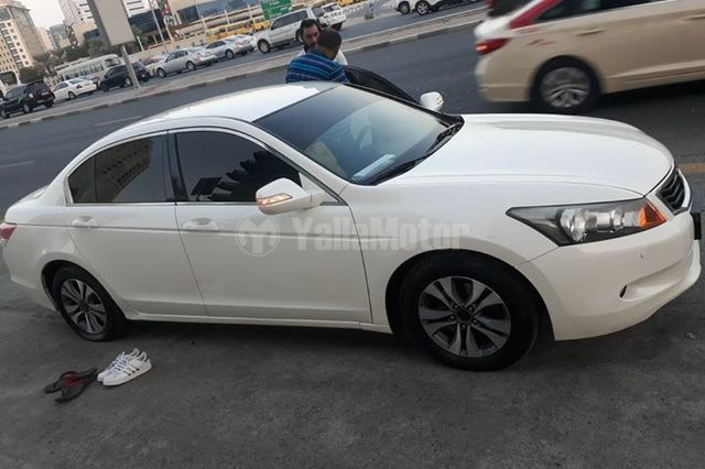 used honda accord 2010 car for sale in sharjah 753349. Black Bedroom Furniture Sets. Home Design Ideas