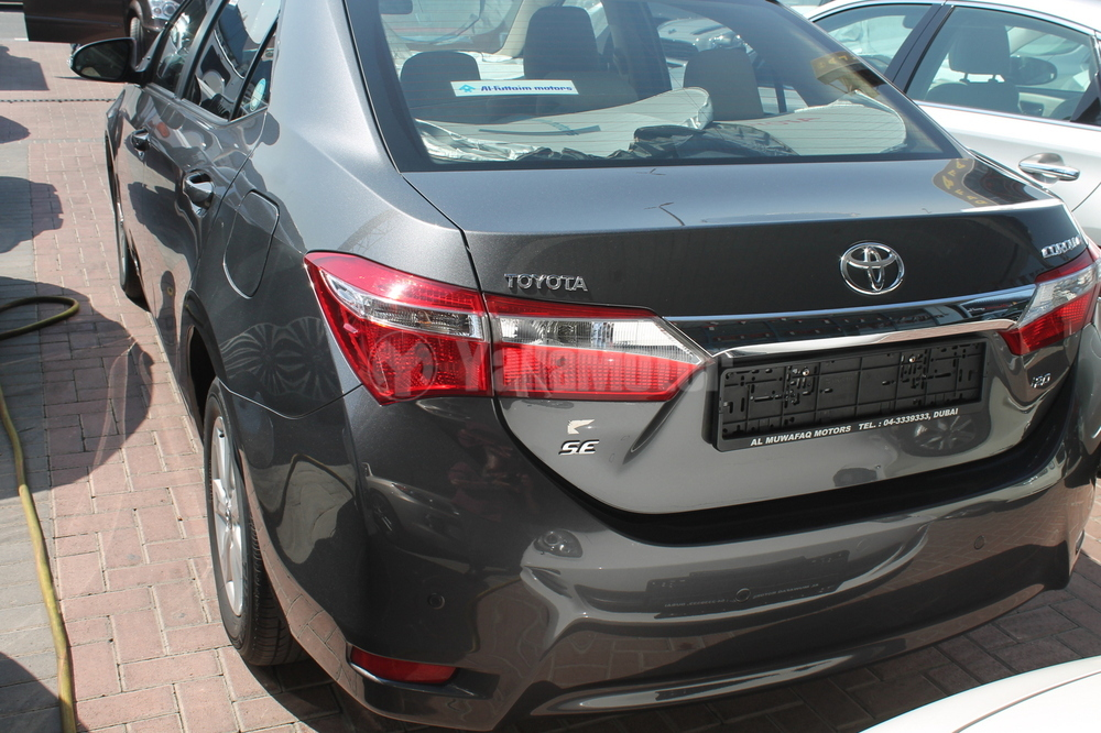 Toyota Corolla 2.0 L SE 2016 Car for Sale in Dubai