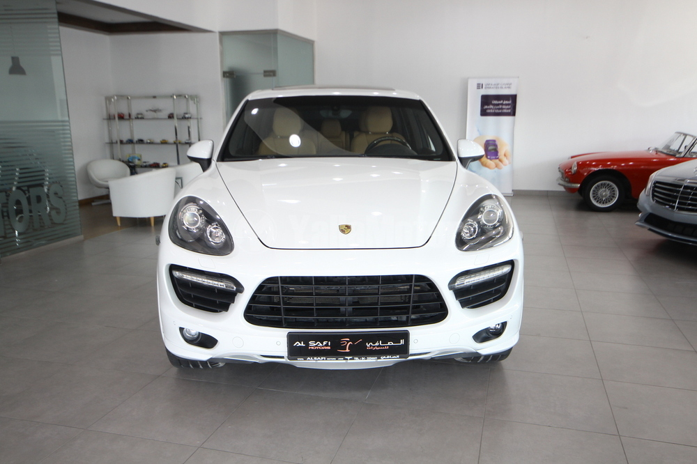 new porsche cayenne gts 2014 car for sale in dubai. Black Bedroom Furniture Sets. Home Design Ideas