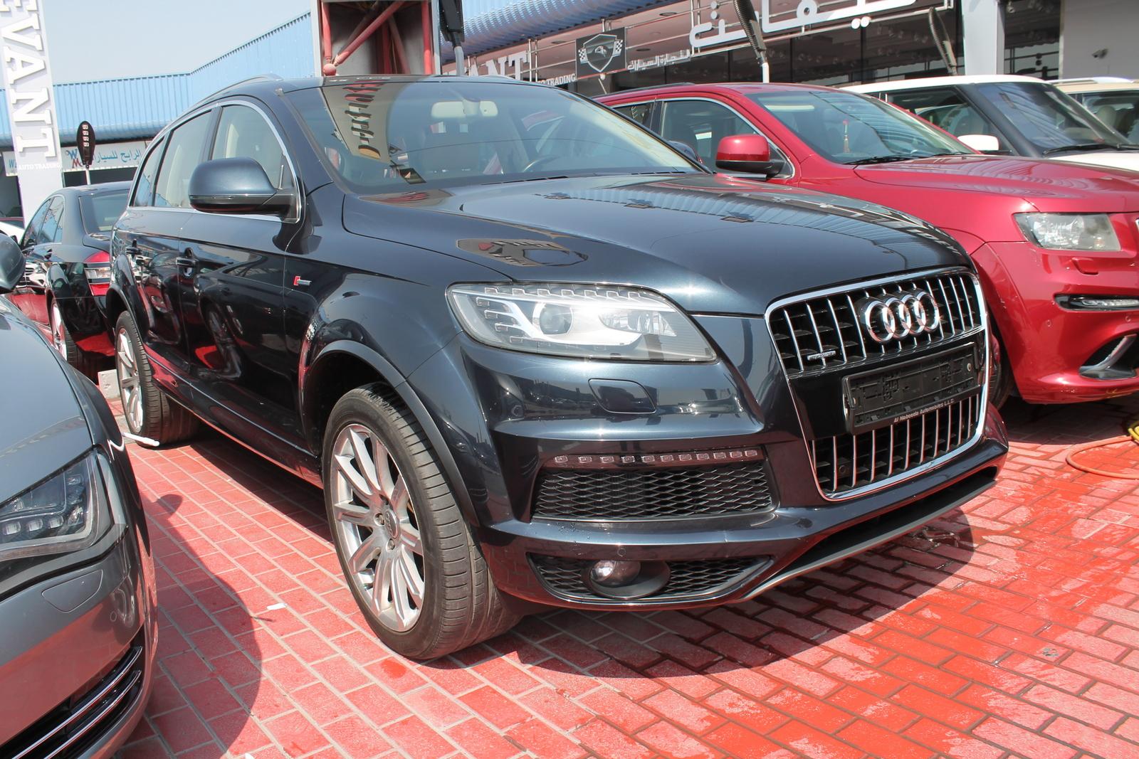 used audi q7 2011 car for sale in dubai 753190. Black Bedroom Furniture Sets. Home Design Ideas