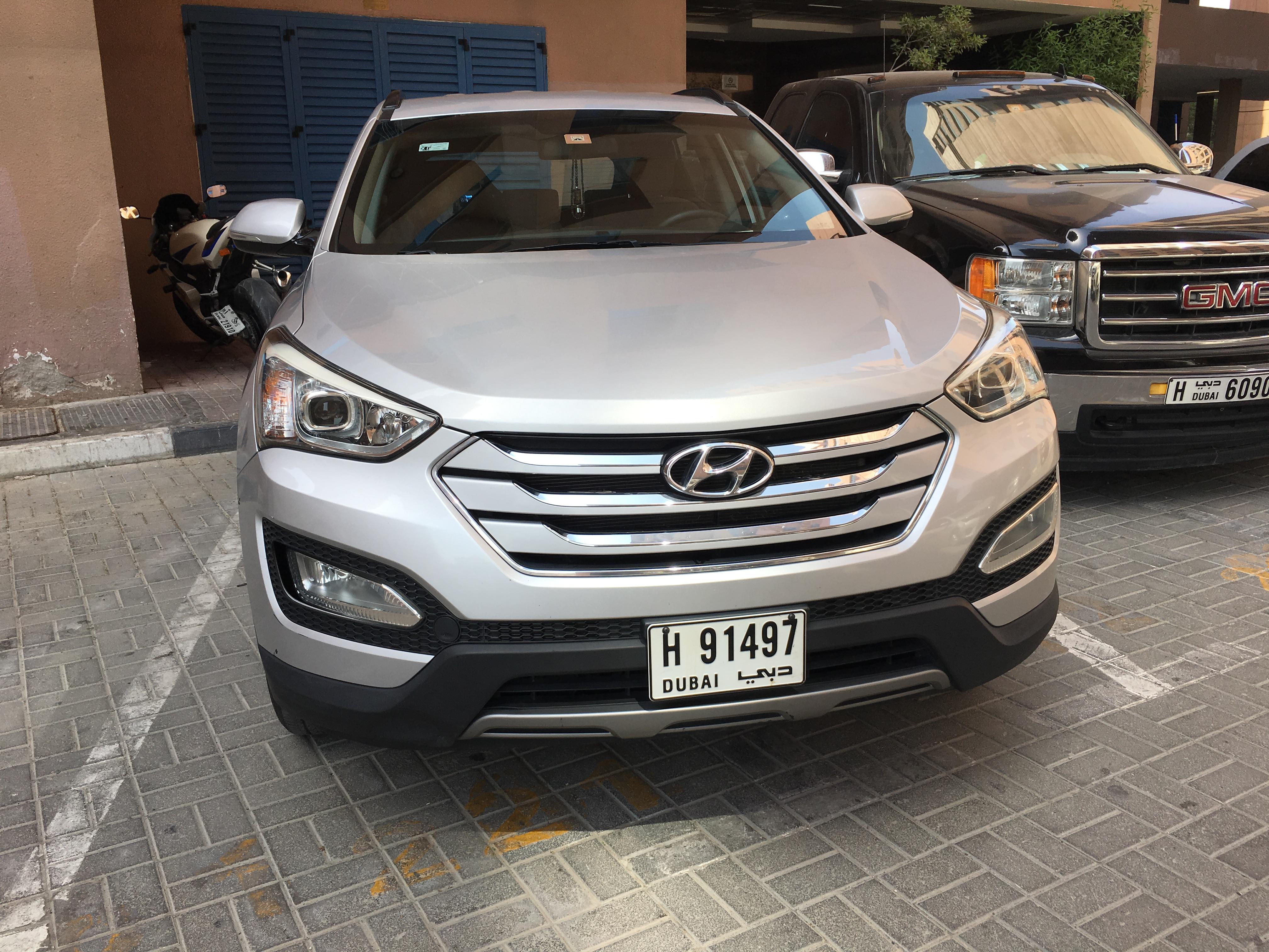 Used hyundai santa fe 2 4l fwd 2015 car for sale in dubai for Hyundai motor finance fax number