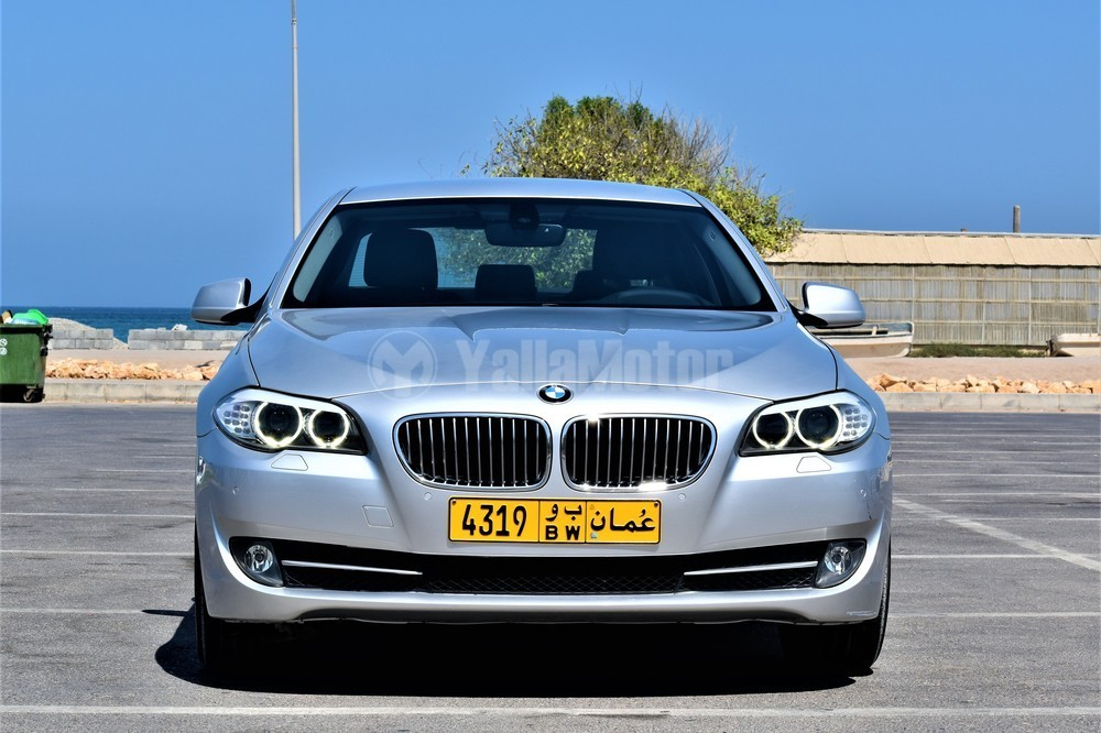 used bmw 5 series 520i 2012 car for sale in muscat 760280. Black Bedroom Furniture Sets. Home Design Ideas