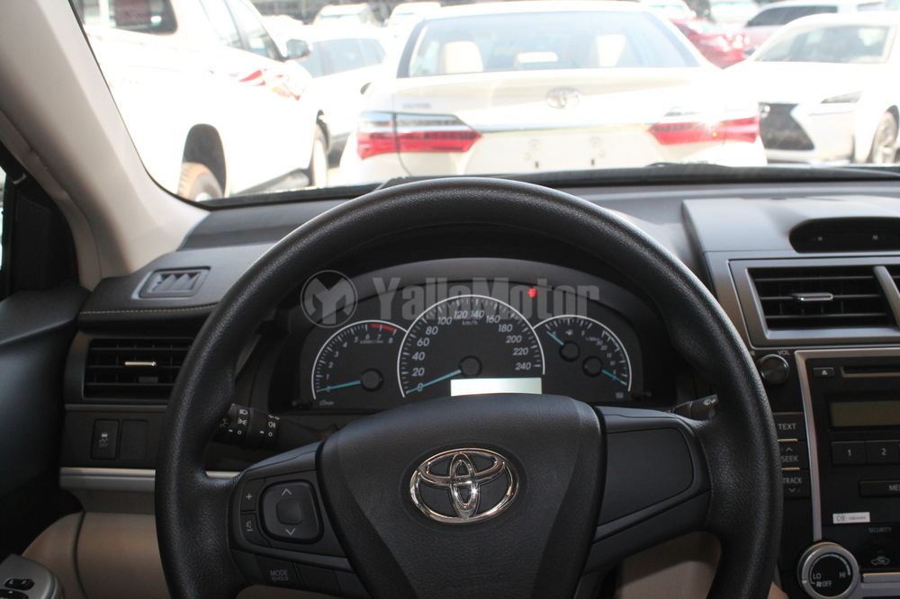 new toyota camry 2017 car for sale in dubai. Black Bedroom Furniture Sets. Home Design Ideas