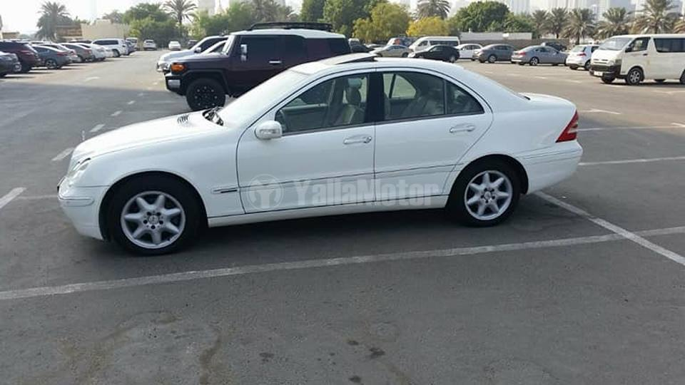 Used mercedes benz c class 2004 car for sale in sharjah for Used mercedes benz cars for sale
